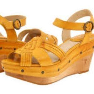 Frye Carlie Huarache Mustard Ankle Wedge Sandals